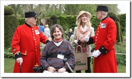 2 Chelsea Pensioners and Richard Farrar